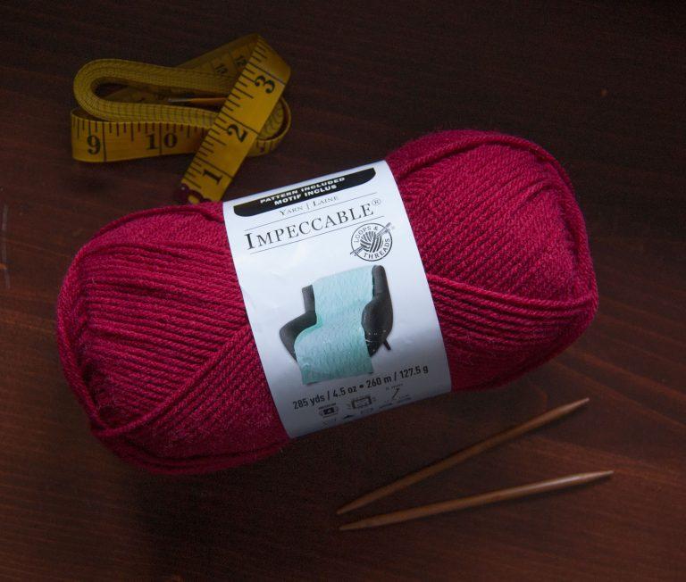 Loops & Threads Impeccable Acrylic Yarn in Bordeauxx