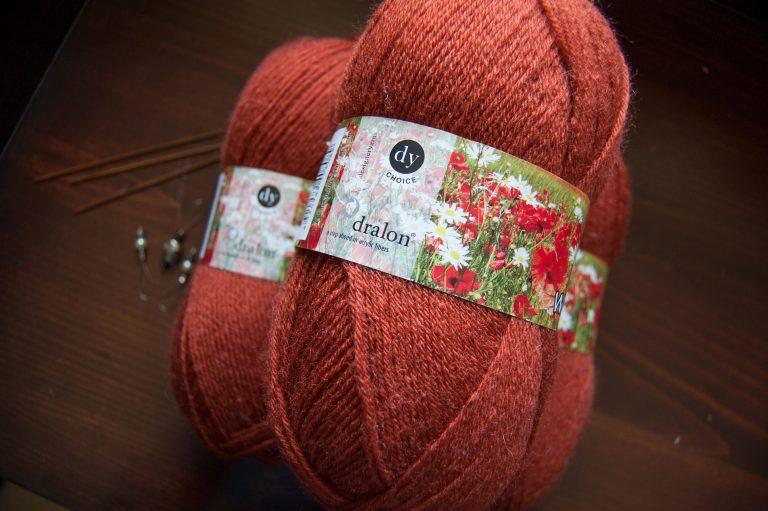 budget yarn DY Choice 4Ply With wool